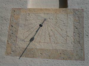 Ittenhausen, St. Anastasius, Kirche, Uhrzeit, Sonne, Schatten, Tageszeit, Alb-HAT